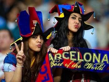 ファン人気もバルサがレアルを圧倒!?スペインの人気調査がついに逆転。<Number Web> photograph by Getty Images