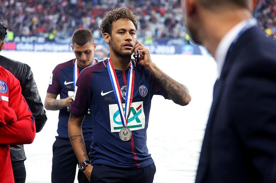 ネイマールがパリで王様になっても、ロナウジーニョほど愛されない理由。<Number Web> photograph by Getty Images