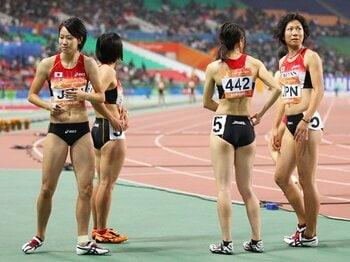 福島千里が北京で開けた五輪への扉。女子短距離のリレーで五輪決勝を狙う!!<Number Web> photograph by Daiju Kitamura/AFLO SPORT
