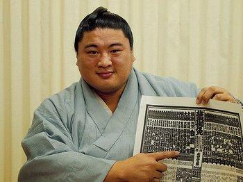 """20代の頃より強くなった!? 遅咲きの嘉風が今、キテます。~""""サラリーマン力士""""が三十路で取り戻した欲~<Number Web> photograph by Shoko Sato"""