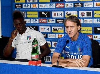 イタリア新時代を託されたマンチーニ。バロテッリ復帰と若き才能たちの登用。<Number Web> photograph by Getty Images