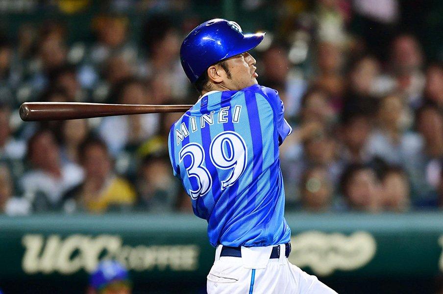 阪神と3.5差、見え始めた逆転2位。DeNAと嶺井博希に漂う頼もしさ。<Number Web> photograph by Kyodo News