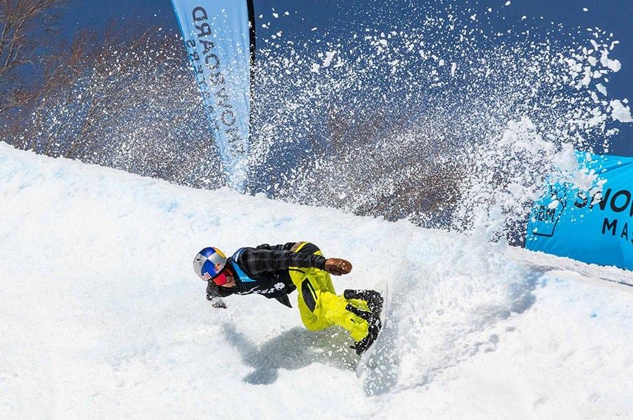 東野圭吾のスノーボードへの愛がオリンピアン達を熱くした!<Number Web> photograph by Shigeki Yamamaomto/Yoshifumi Shimizu/Yoshi Josef Toomuch