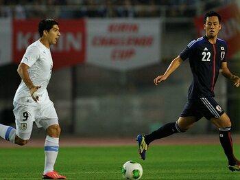 """""""本気のウルグアイ""""に喫した4失点。9月の2試合を守備的に戦うべきか?<Number Web> photograph by Takuya Sugiyama"""