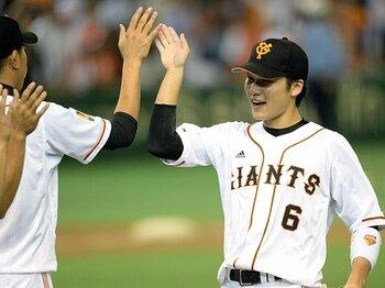 """巨人、楽天が持つ""""流れ""""を呼ぶ力。日本シリーズの「この1球」を探せ。<Number Web> photograph by Naoya Sanuki"""
