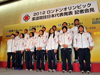 世界選手権連覇の浅見が初戦敗退。それでも公平な柔道五輪代表の選考。<Number Web> photograph by Jun Tsukida/AFLO SPORT
