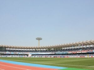 Jリーグもスタジアム施設を充実させ、家族連れのサポーター増を目指せ!