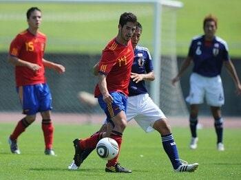 勝利したスペイン戦で見えたユース世代の弱点。~サッカーU-19日本代表レポート~<Number Web> photograph by Shinji Akagi