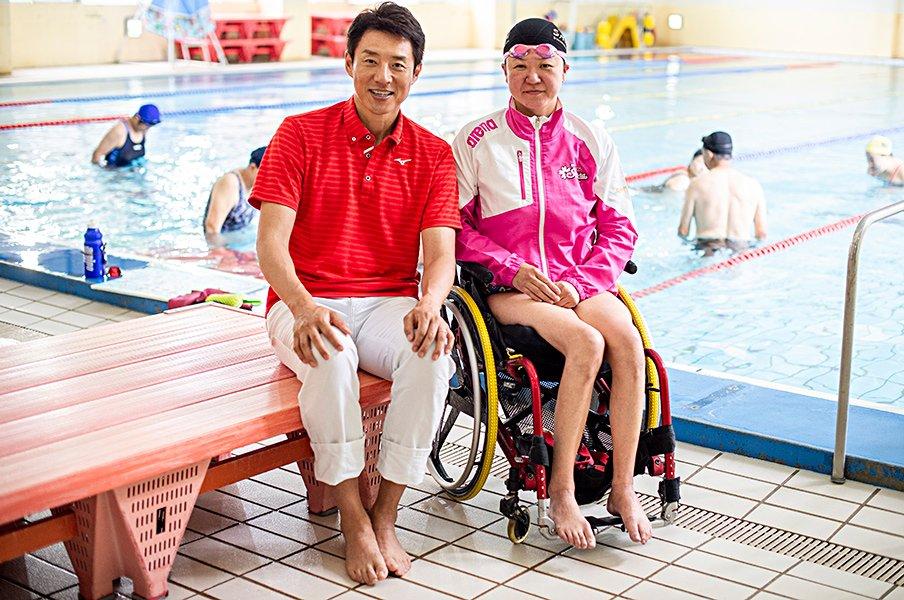 パラリンピックでメダル20個獲得!競泳・成田真由美の人生を修造が訊く。<Number Web> photograph by Yuki Suenaga