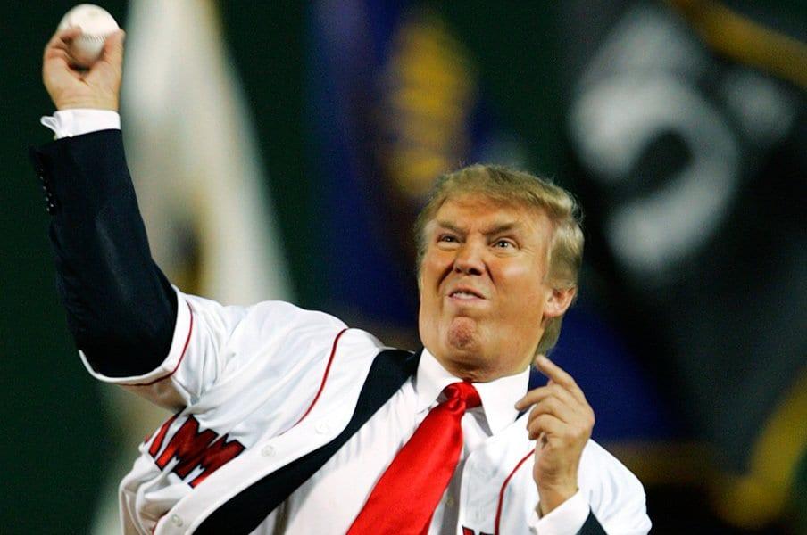 大の野球好きという大統領は、1月にトランプタワーにてMLBのマンフレッドコミッショナー、ヤンキースのレバイン球団社長と会談した。