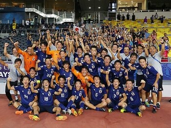 サッカーU-17W杯出場決定の先へ……。森山佳郎監督はアジア王者にこだわる。<Number Web> photograph by AFLO