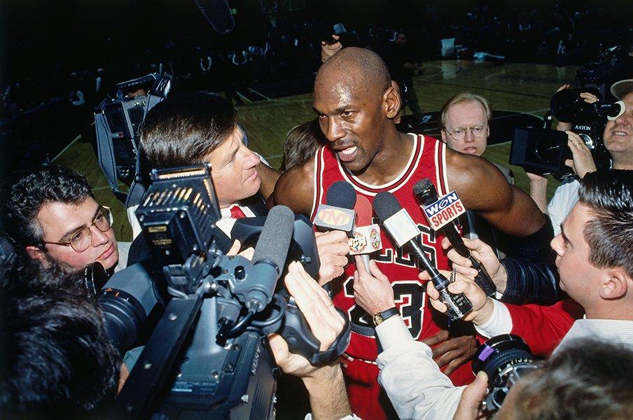 全米中がお祭り騒ぎになった4月16日。ジョーダンとブルズが残した伝説とは?<Number Web> photograph by Getty Images