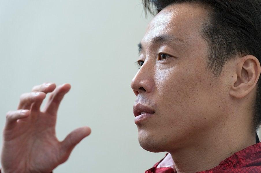 神の足・鈴木尚広が語る盗塁と一芸。「意外と打ってるんですよ(笑)」<Number Web> photograph by Hirofumi Kamaya