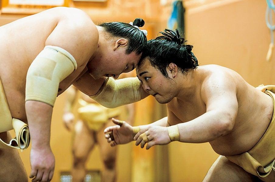 兄弟子の白鵬から猛烈指導。炎鵬が見せた笑顔と号泣。<Number Web> photograph by Manami Takahashi