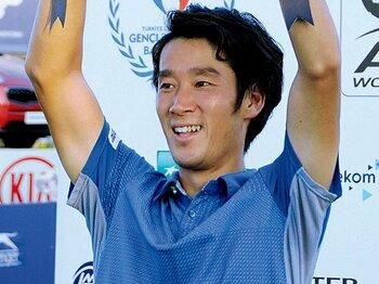 苦労して腐りかけて今がある。杉田祐一がツアー優勝の快挙。~プロ転向から10年、気分屋はなぜ変われたのか~<Number Web> photograph by KYODO