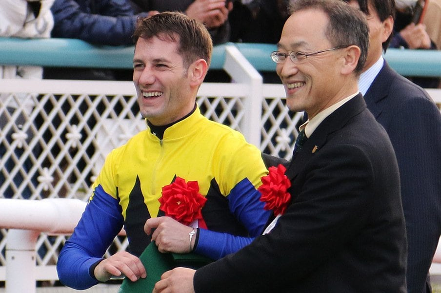 200勝ペースで勝ち続けるデムーロ。外国人騎手の強さの秘密を徹底解剖。<Number Web> photograph by NIKKAN SPORTS