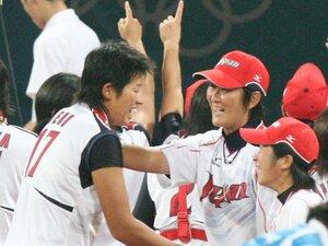 """""""413球""""上野由岐子「人間的に嫌いなわけではない」 13年前、ソフトボール""""奇跡の金メダル""""を生んだ「小さな事件」"""