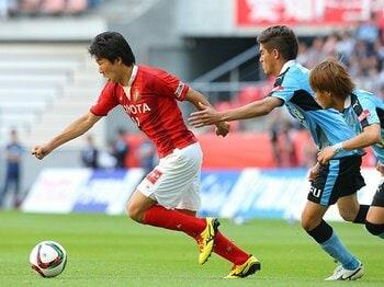 3バックのサイドと永井謙佑の速度。システムは選手の力を生かすために。<Number Web> photograph by J.LEAGUE PHOTOS