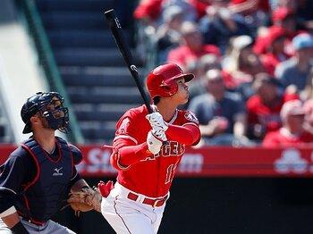 今度はメジャー最強投手から2ラン!大谷翔平「価値ある1本」の尊さ。<Number Web> photograph by AP/AFLO