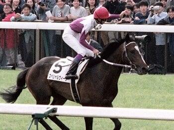 引退する厩舎、騎手の最終日は狙い?2人の調教師の花道は飾られたのか。<Number Web> photograph by Kyodo News