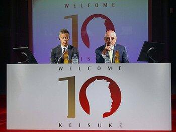 <独占インタビュー> ミランGMが語るHONDAへの「確信」 ~「彼は歴代10番と肩を並べる存在になる」~<Number Web> photograph by AFLO