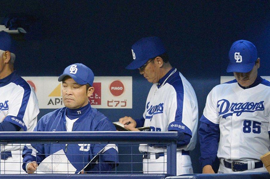 なぜ中日はこんなに弱くなったのか。日本ハムの苦境とは全く意味が違う。<Number Web> photograph by Kyodo News