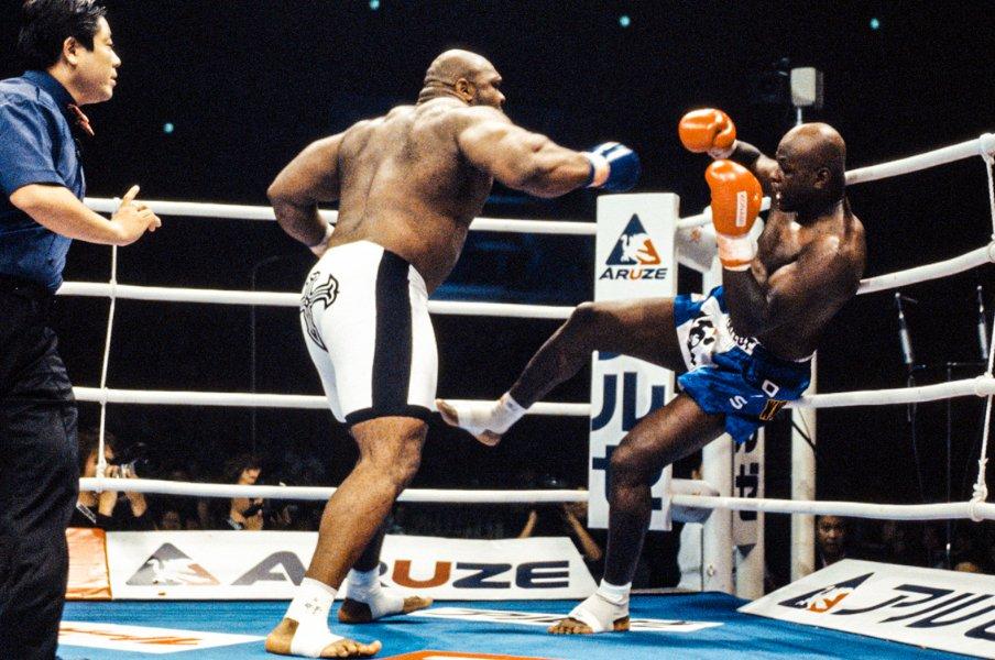 「ボブ・サップのパンチがうなりをあげて…」王者アーネスト・ホーストがパワーに屈した衝撃《カメラマンが見た名勝負・2002年10月》