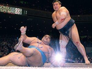 長期休場した横綱たちの物語――。貴乃花と武蔵丸のライバル秘話。