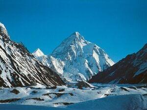 """""""4人に1人が死ぬ山""""K2の冬季初登頂 「ギャラも出ないのに山に登る意味はない」ネパール人が本気になった"""