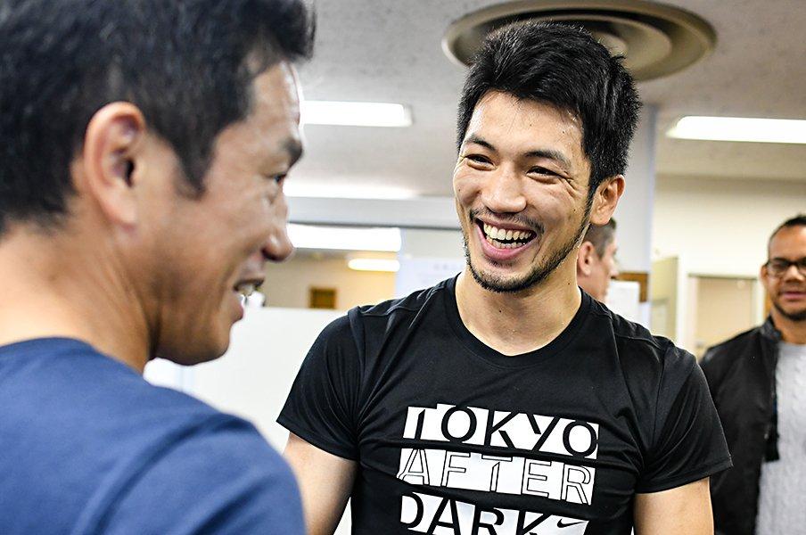 村田諒太は初防衛戦へ好調&明るい。作戦は「相手が嫌になるまで殴る」。<Number Web> photograph by AFLO