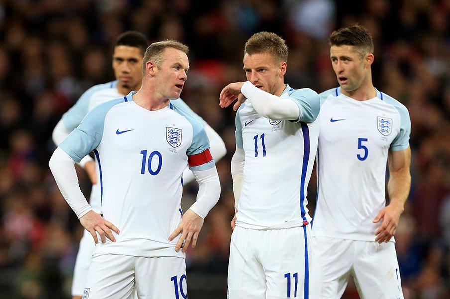 バーディー+ケイン+ルーニー=?EUROで復権の気配漂うイングランド。<Number Web> photograph by AFLO