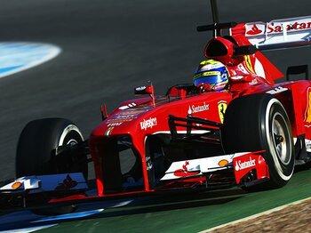 """初回テストから読み解く'13年、""""開幕戦略""""傾向。~今季F1界は混戦模様!?~<Number Web> photograph by Getty Images"""