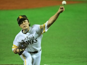 """日本一支えた""""43勝投手""""が流出も、ソフトバンクの来季が明るい理由。<Number Web> photograph by Hideki Sugiyama"""