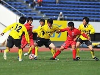 理想だけを語らない、境高校の超守備的戦術。~高校サッカー界の極北を見た!~<Number Web> photograph by Masako Sueyoshi