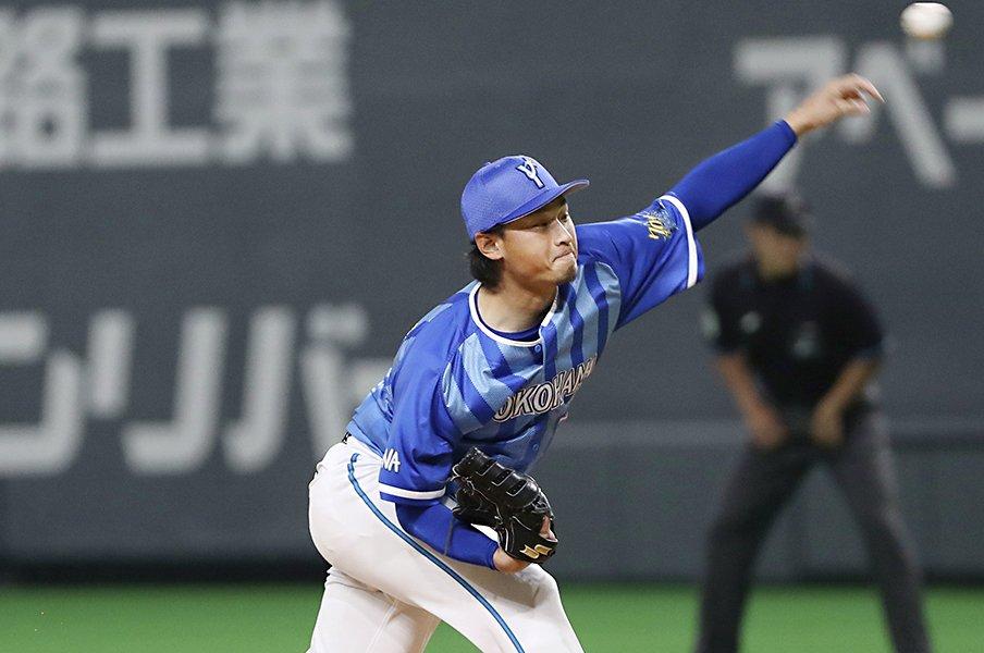 """DeNAの元開幕投手が中継ぎに。石田健大が語る""""やりがい""""と""""先発""""。<Number Web> photograph by Kyodo News"""