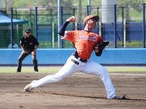 新潟でドラフト指名を待つ長身右腕。今年で24歳、即戦力にならなければ。