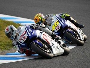 強引すぎる走りに見えた、王者ロッシの裏の顔。~後味の悪さが残った日本GP~