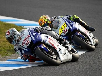 強引すぎる走りに見えた、王者ロッシの裏の顔。~後味の悪さが残った日本GP~<Number Web> photograph by Satoshi Endo