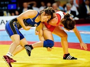 世界選手権、苦戦でも金。吉田沙保里が地力を証明。~日本女子レスリングの現在地~<Number Web> photograph by Miki Sano