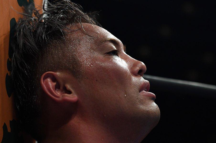 オカダ・カズチカ大阪城フルタイム戦。IWGPベルトに執着した60分の死闘。<Number Web> photograph by Essei Hara