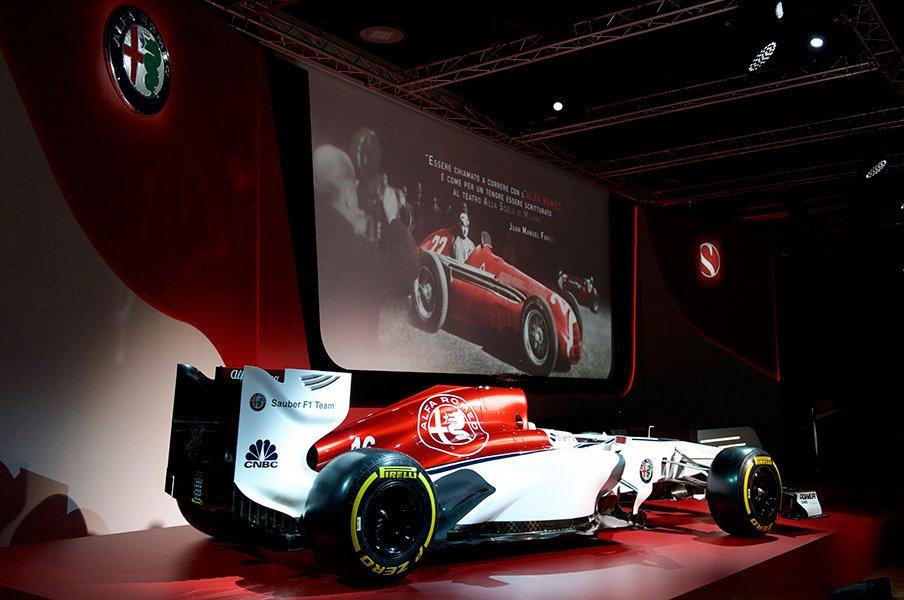 アルファ・ロメオ30年ぶりF1復帰。フェラーリの後押しと数奇な縁。<Number Web> photograph by Sauber