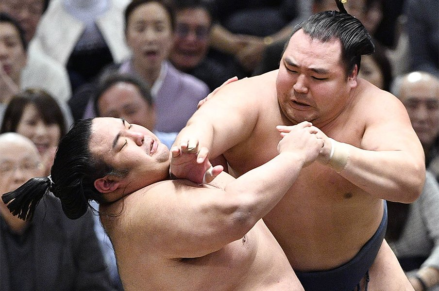 変化、張り差し、カチ上げが激減。大相撲3月場所で何が起こってる?<Number Web> photograph by Kyodo News