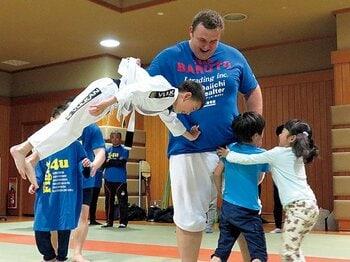 元格闘家たちによる新たな社会貢献活動がスタート。~RIZINを巻き込んで始まった障がいを持つ子供のためのプロジェクト~<Number Web> photograph by Koji Fuse