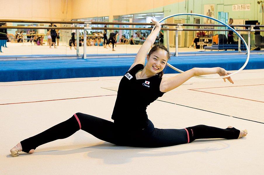 皆川夏穂と新体操42年ぶりの快挙。「美しさ、優雅さ」の先にメダルが。<Number Web> photograph by Satoko Imazu