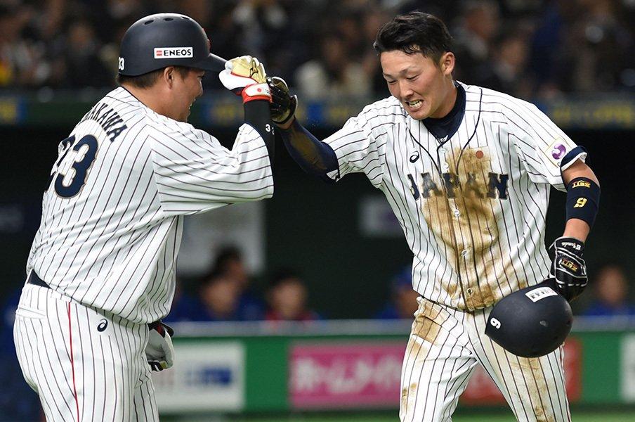 新人王・源田壮亮は2年目もブレない。あれだけ上手くても「守備の強化」。<Number Web> photograph by AFLO