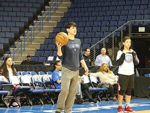 伊藤拓摩、バスケ指導者が米国修行中!「でも日本人ってシュートを狙わない」
