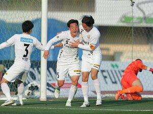 CBとFW両方の才を持つ田上大地。長崎でJ1初ゴールを決めた必然。