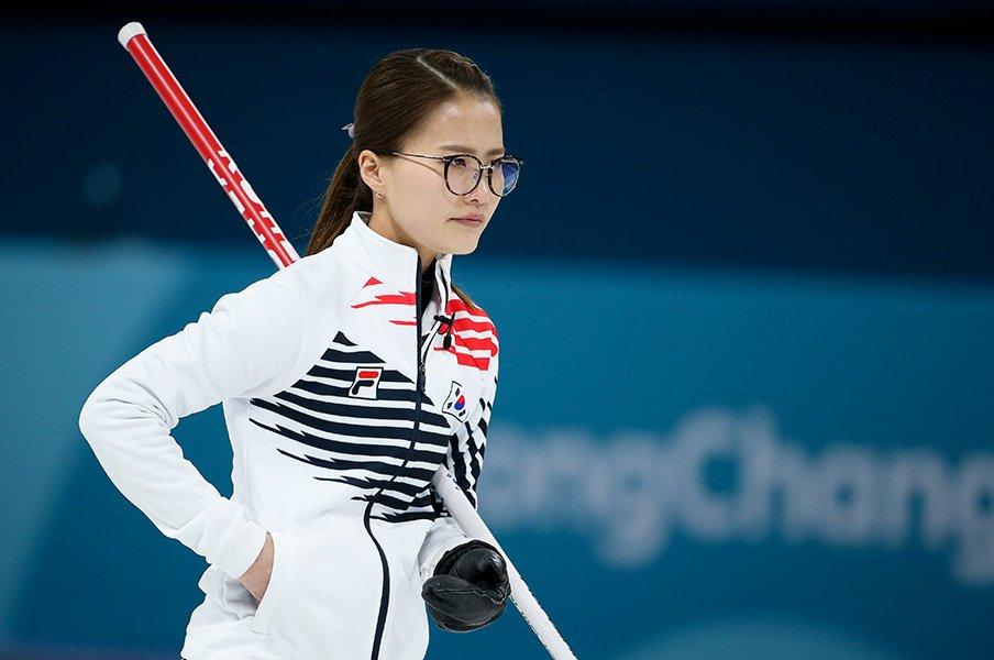 「眼鏡先輩」も人気の秘密は訛り?韓国カーリングブームの実態を探る。<Number Web> photograph by Getty Images