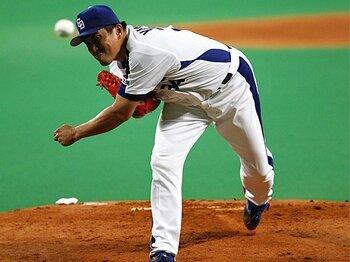 60年ぶりの快挙達成。山本昌の「悪あがき」。~日本シリーズ初勝利に向かって~<Number Web> photograph by KYODO