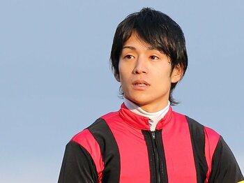 """通算500勝・浜中俊が勝ち続けられる理由。~""""強気""""と""""古風""""でNo.1騎手へ~<Number Web> photograph by Yuji Takahashi"""